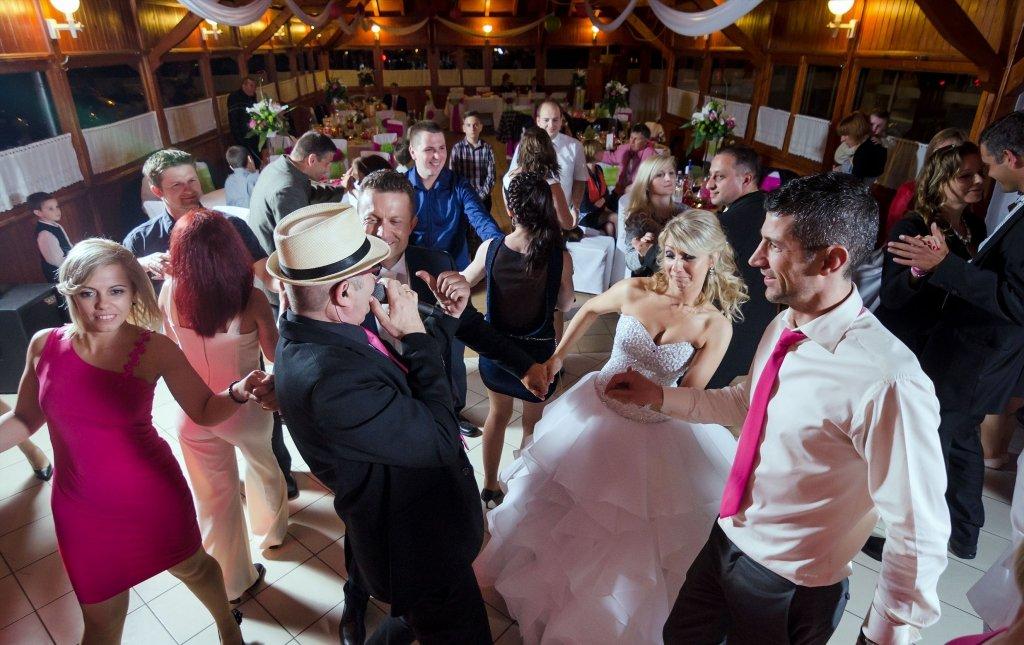 71aa42eded A BRAVO esküvői zenekar | Esküvő iránytű